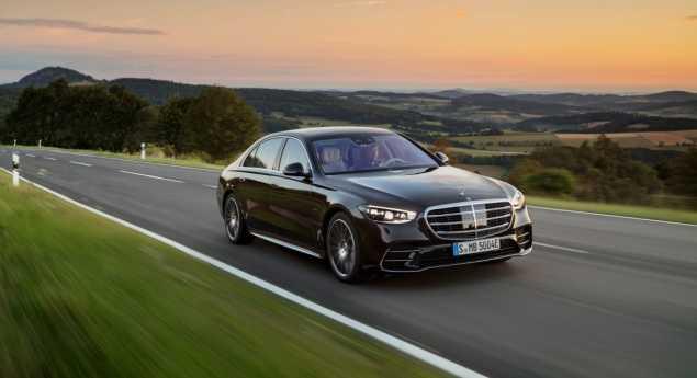 Les électrifiés Aident Mercedes Benz à Respecter Les Limites De Co2
