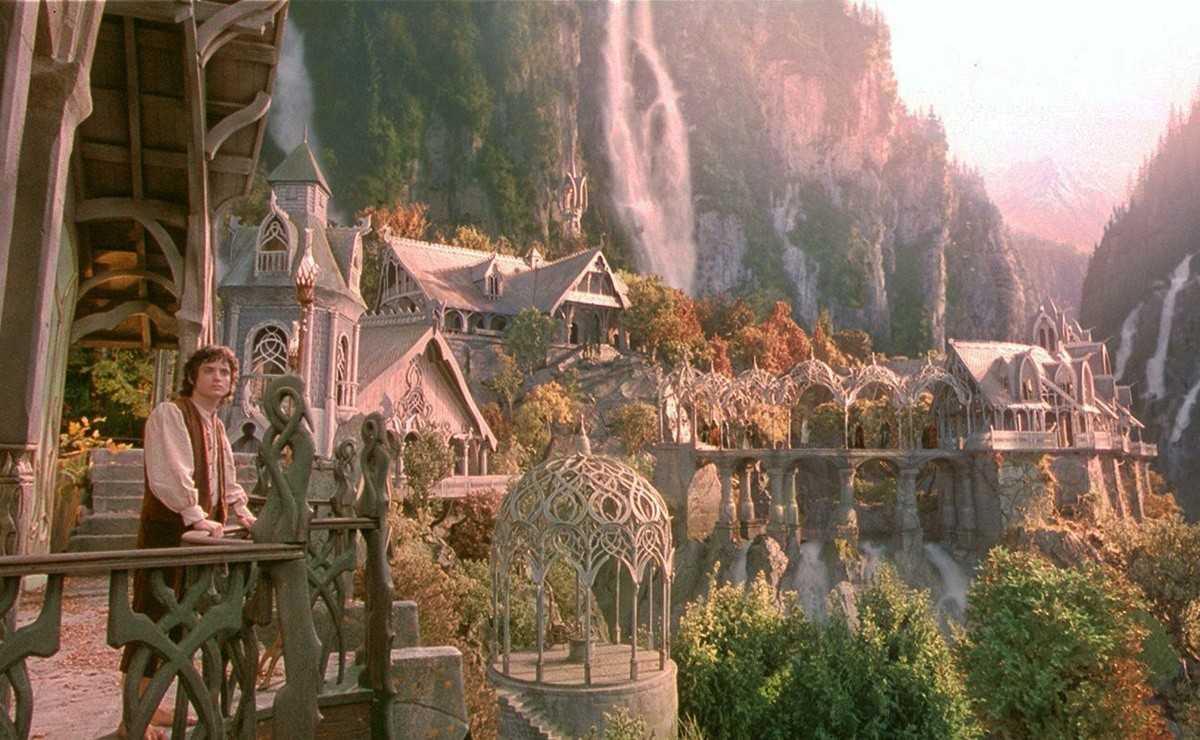 La série `` Le Seigneur des anneaux '' comprendra des ensembles créés par Tolkien