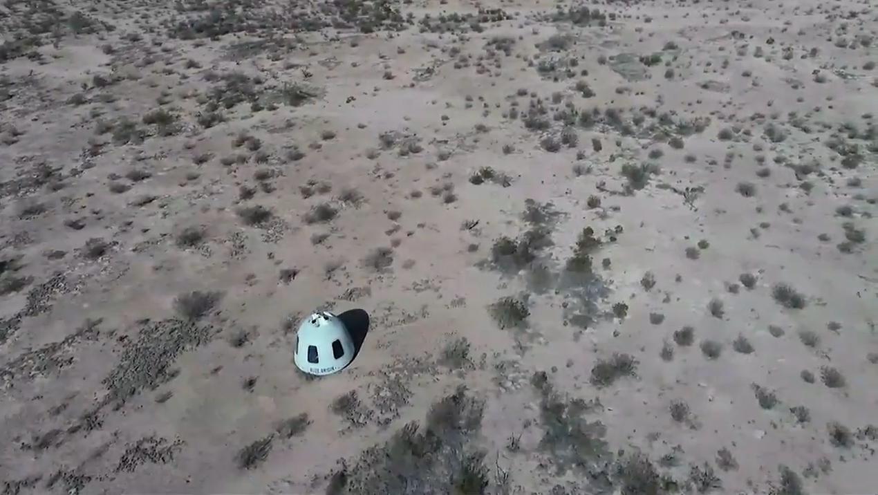 Le 14 janvier 2021, la première fusée New Shepard améliorée et la capsule d'équipage de Blue Origin sont lancées sur un vol suborbital sans équipage depuis le site d'essai de la société dans l'ouest du Texas.