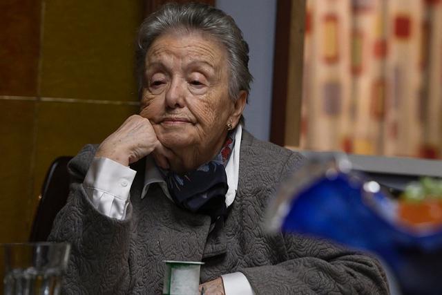 "María Galiana joue Herminia dans la saison 21 de ""Dis-moi comment c"