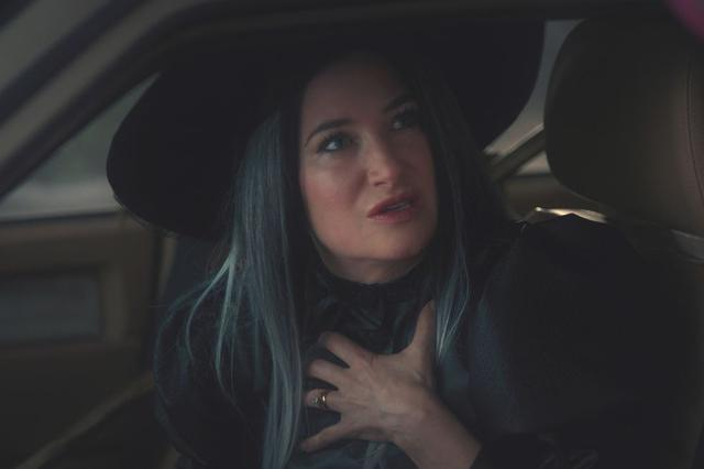 Agnès porte un chapeau de sorcière à l'Halloween.  Coïncidence?  (Photo: Disney Plus)