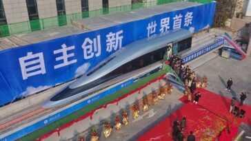 La Chine montre au monde son nouveau prototype de train maglev: avec 620 km / h, elle cherche à être le plus rapide du monde