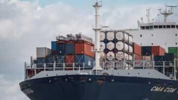Les frais d'expédition depuis la Chine sont à un niveau record - et c'est la pénurie de conteneurs à blâmer