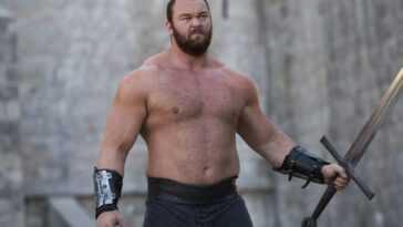 """""""La montagne"""" De `` Game Of Thrones '' fait ses débuts en boxe"""