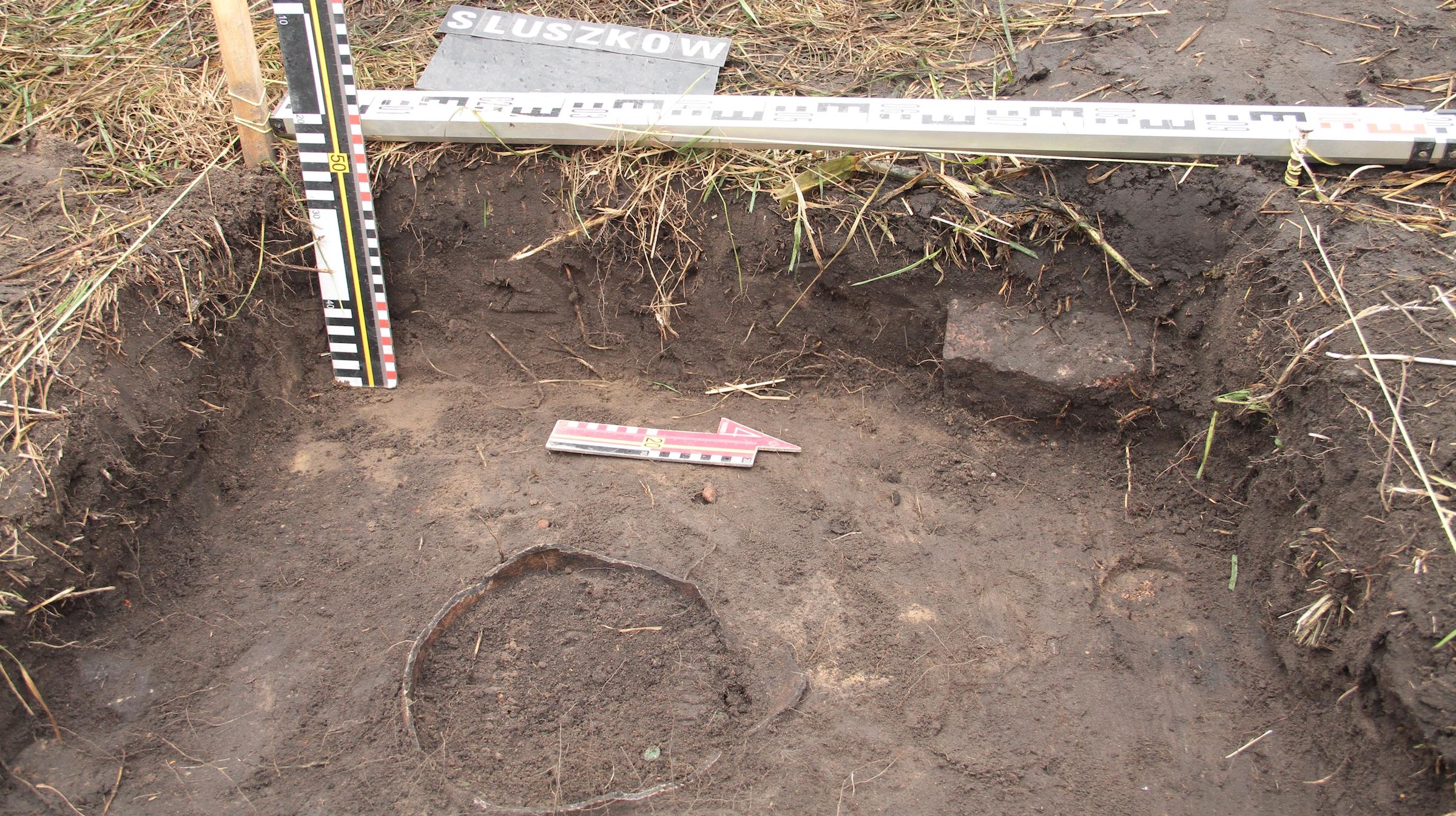 Les archéologues ont trouvé le trésor avec l'aide d'un prêtre local.