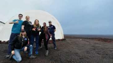 Un Nouvel équipage Arrive à Hawaï Pour Une Mission Simulée
