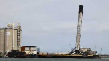 En Photos: Le Booster Crew 1 Falcon 9 De Spacex Revient