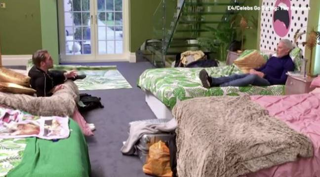 Wayne et Tom ont parlé dans la chambre.  Crédit: Channel 4
