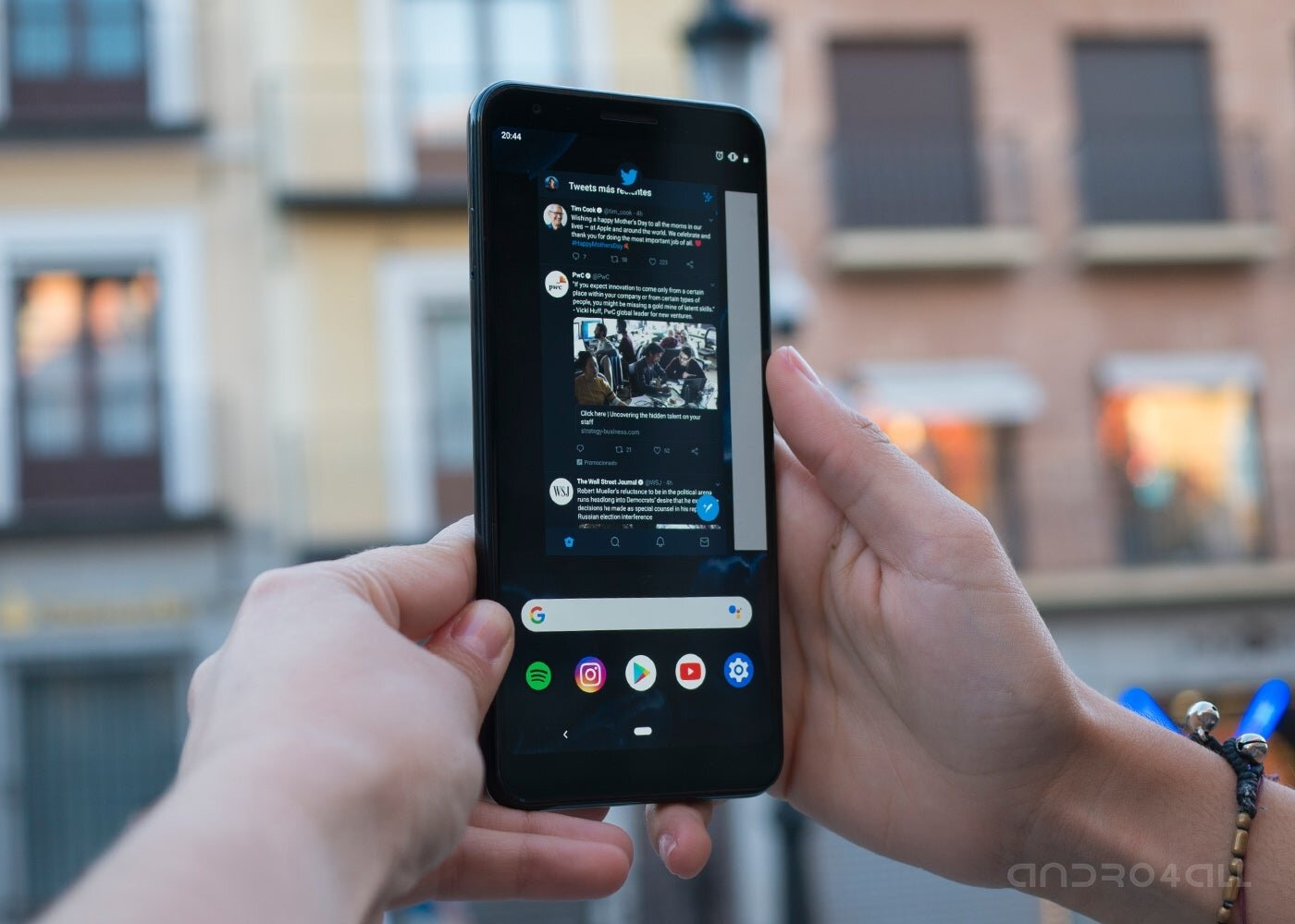 Google Pixel 3a XL, écran allumé avec applications