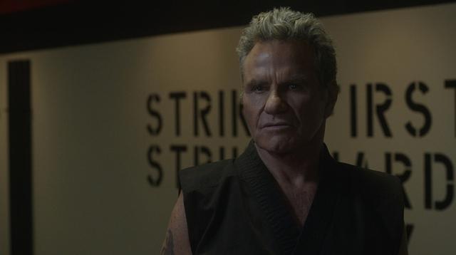 "Kreese, le méchant principal de ""Cobra Kai"" (Photo: Netflix)"
