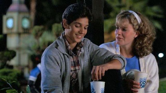 Ali Mills avec Daniel Larusso quand ils étaient enfants (Photo: Paramount Pictures)
