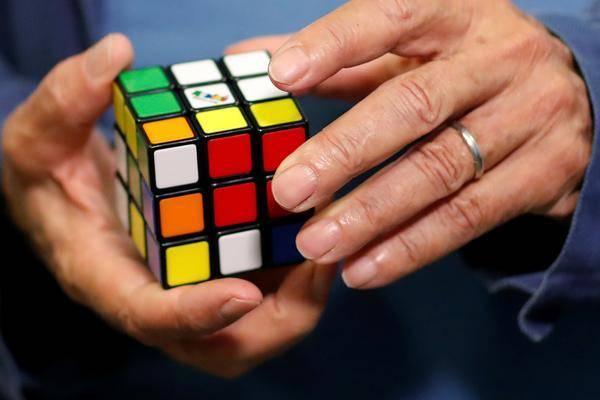 Complètement Bizarre: Rubik's Cube A Son Propre Univers Cinématographique Et