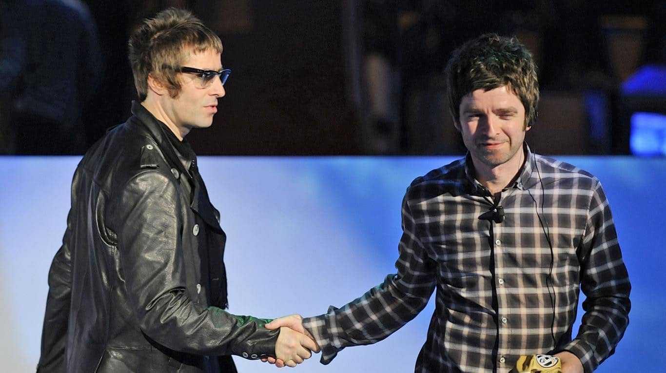 Est Ce Un Signe? Liam Demande à Noel Gallagher De Rendre