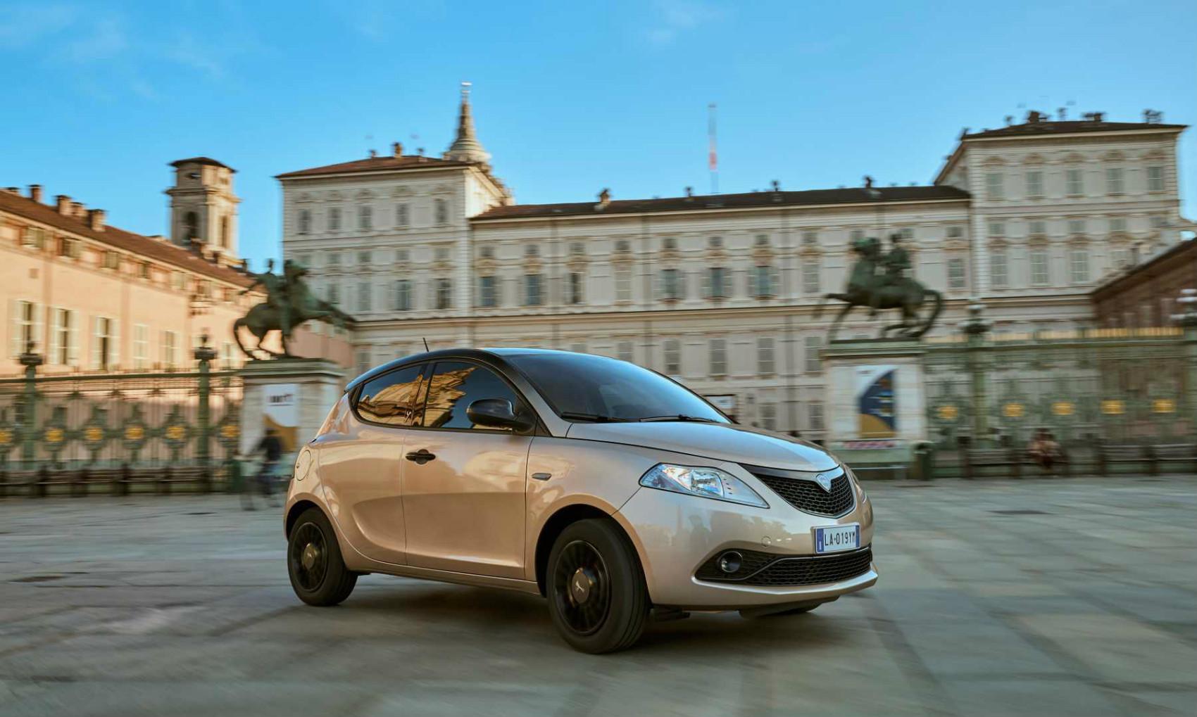 Automobiles : l'usine de Sochaux passe aux couleurs de Stellantis