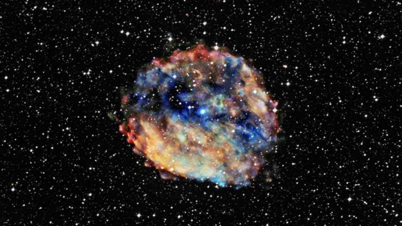 La NASA partage une image du reste de supernova RCW 103 capturé par Chandra