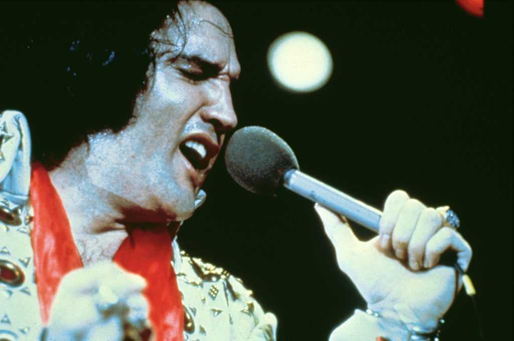 Elvis PRESLEY, performing live onstage c.1973