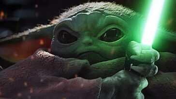 Le Fan Mandalorian Fabrique Le Sabre Laser De Bébé Yoda