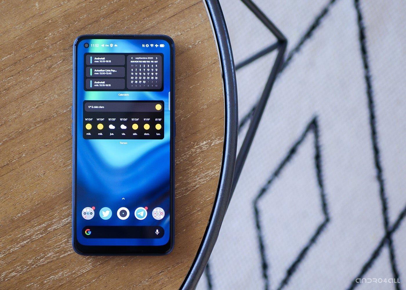 realme 7 Pro, écran avec fond d'écran bleu