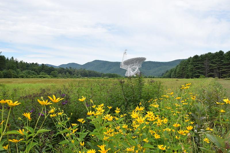 Une photographie du télescope Green Bank prise en juillet 2020.