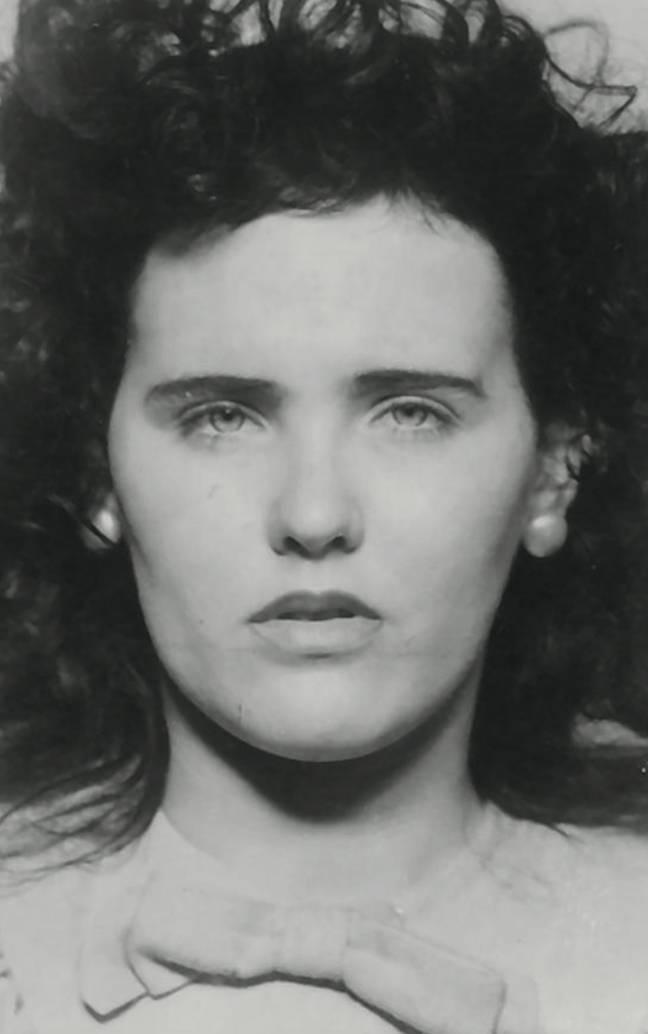 Elizabeth Short aurait été vue en train de boire à l'hôtel Cecil quelques jours avant son assassinat.  Crédit: LAPD