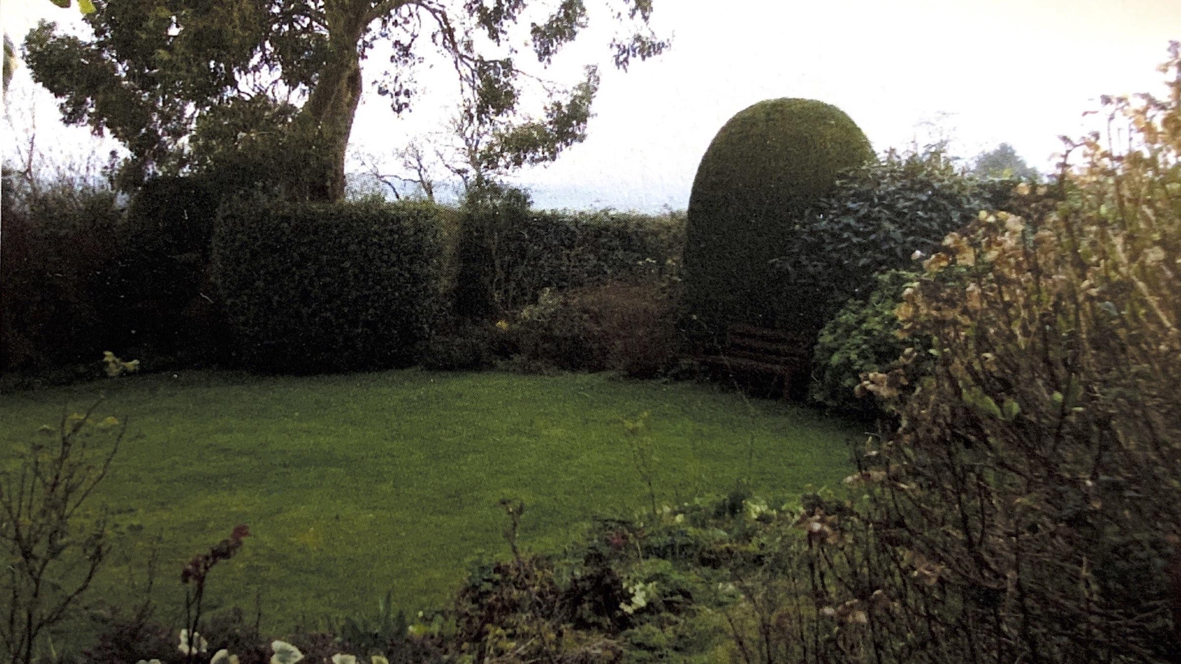 Le jardin anglais où la dalle de marbre a été trouvée.