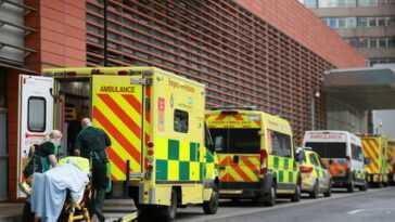 `` Nous avons pris les bonnes décisions au bon moment '', a déclaré le ministre, bien que le Royaume-Uni ait enregistré plus de 100000 décès de Covid