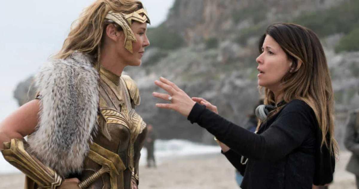 Patty Jenkins Raconte Que Wonder Woman Battle Est Plus Que