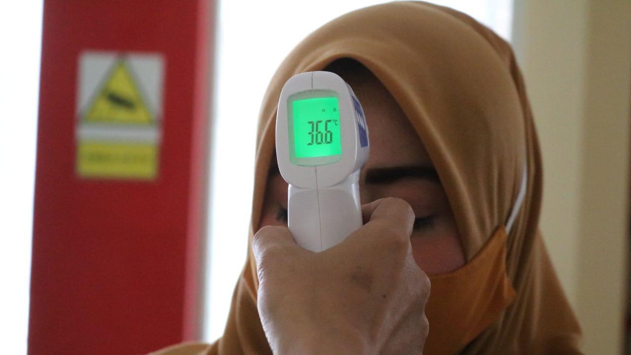 Pourquoi avons-nous peur des fièvres?  Traiter une fièvre avec des médicaments affecte également le système immunitaire