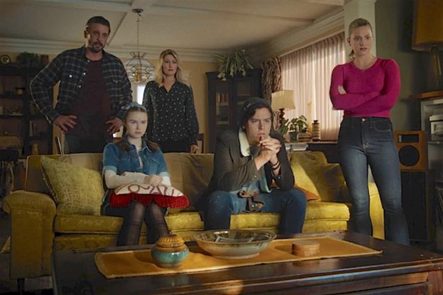 Jug et Betty ont découvert les responsables des décès et les vidéos (Photo: The CW)