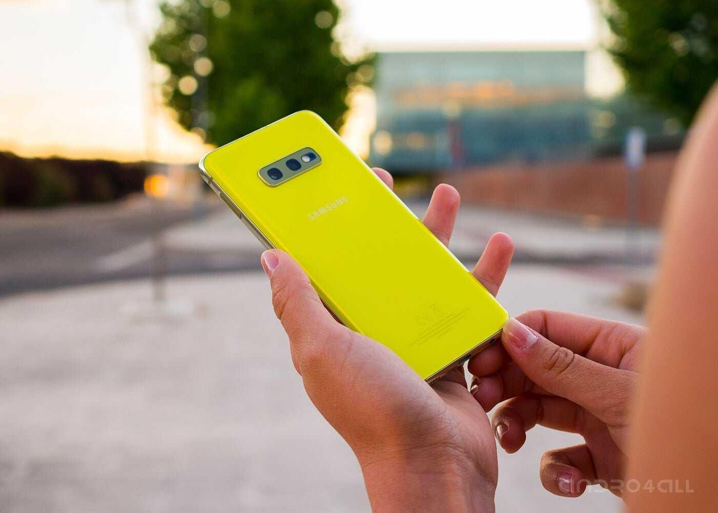 Samsung Galxy S10e jaune