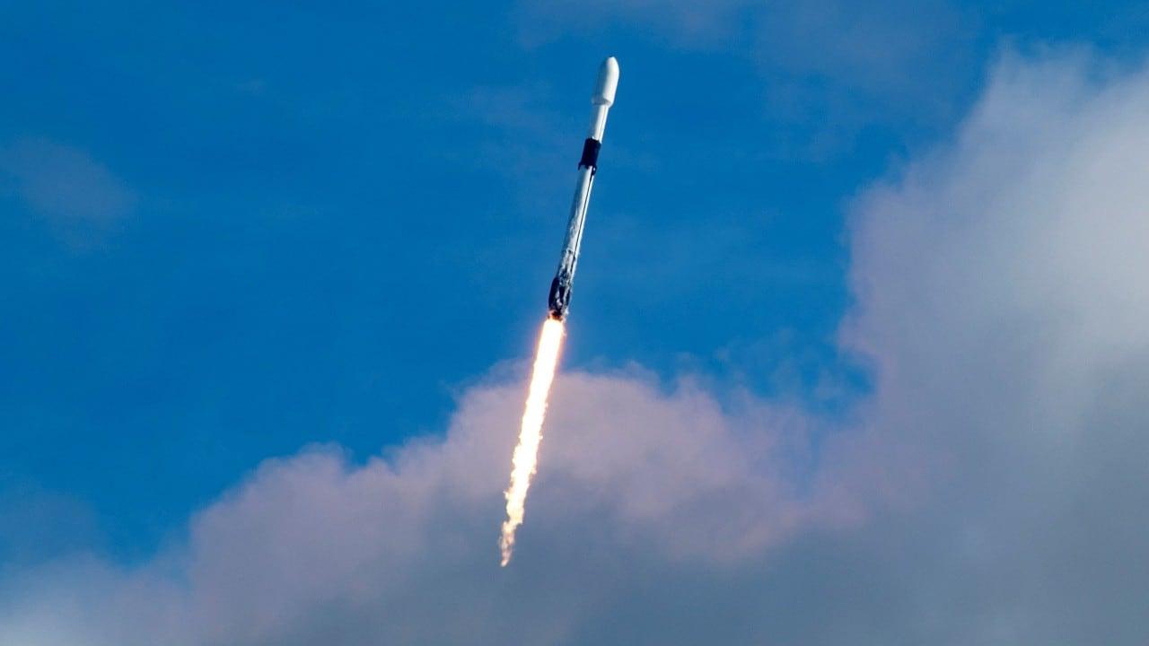 SpaceX bat le record des ISRO et lance 143 satellites dans le premier covoiturage dédié pour SmallSats