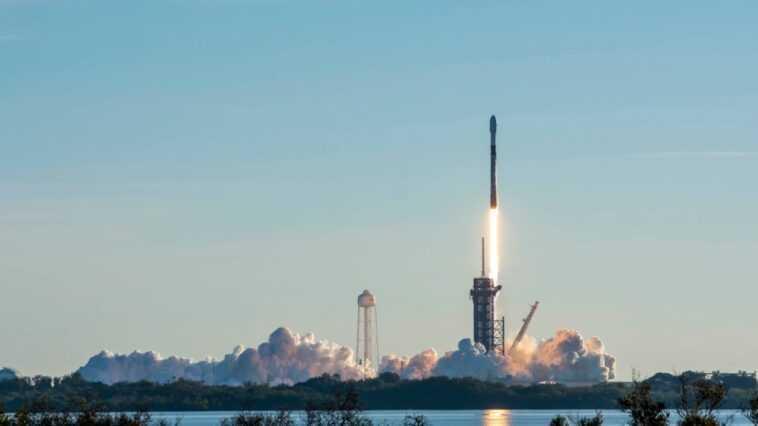 Spacex Lance Son Premier Lot De 60 Satellites Starlink Pour