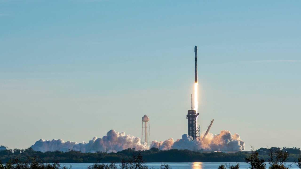 SpaceX lance son premier lot de 60 satellites Starlink pour la nouvelle année