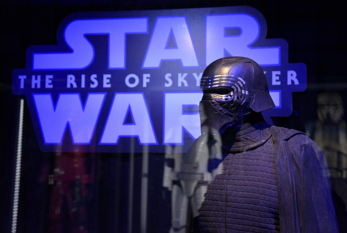 Déguisement Star Wars pour Kylo Ren exposé