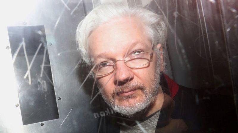 Un Tribunal Britannique Rejette L'extradition D'assange