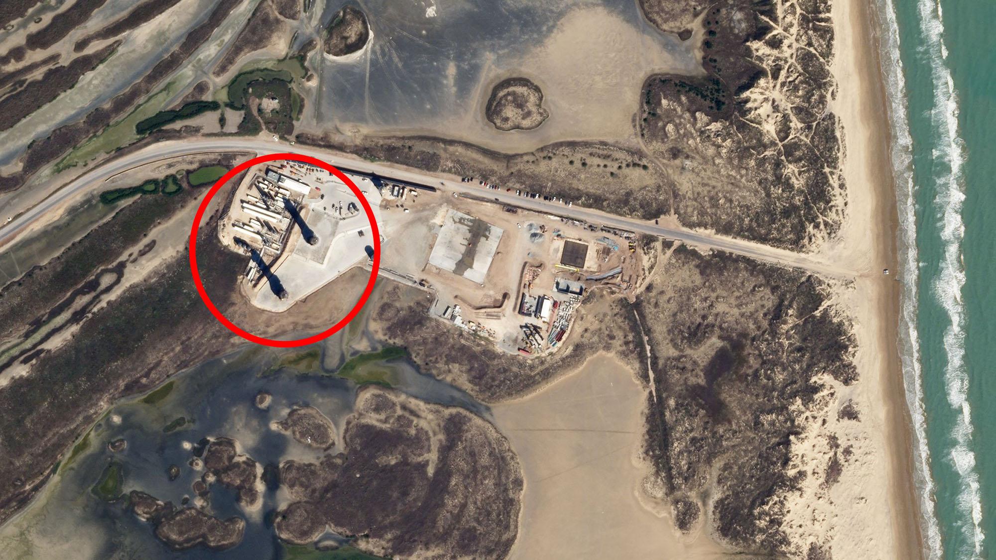 Les prototypes Starship SN9 et SN10 de SpaceX sont vus de l'espace sur cette image à partir d'un satellite SkySat.