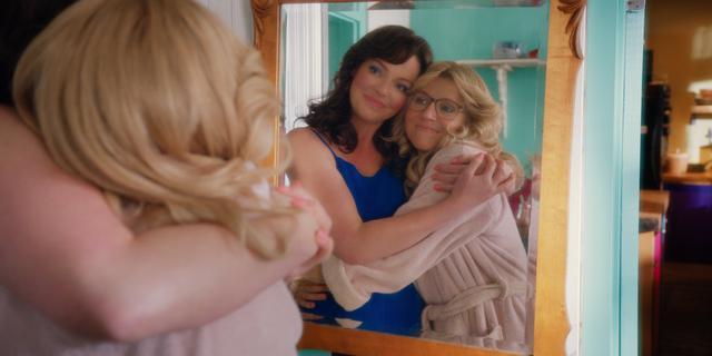 Que s'est-il passé entre Tully et Kate pour rompre leur amitié de plus de 30 ans?  (Photo: Netflix)