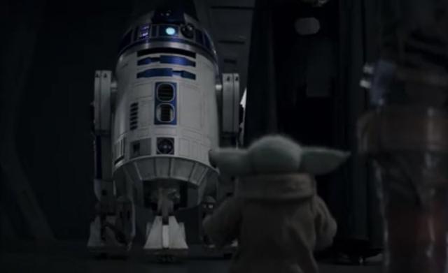 R2-D2 était très heureux de voir Grogu, peut-être parce qu'il l'avait déjà connu (Photo: Disney Plus)