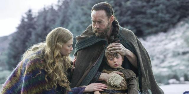 L'apparition de Harbard est toujours accompagnée de chaos et de destruction, comme Loki (Photo: Netflix)