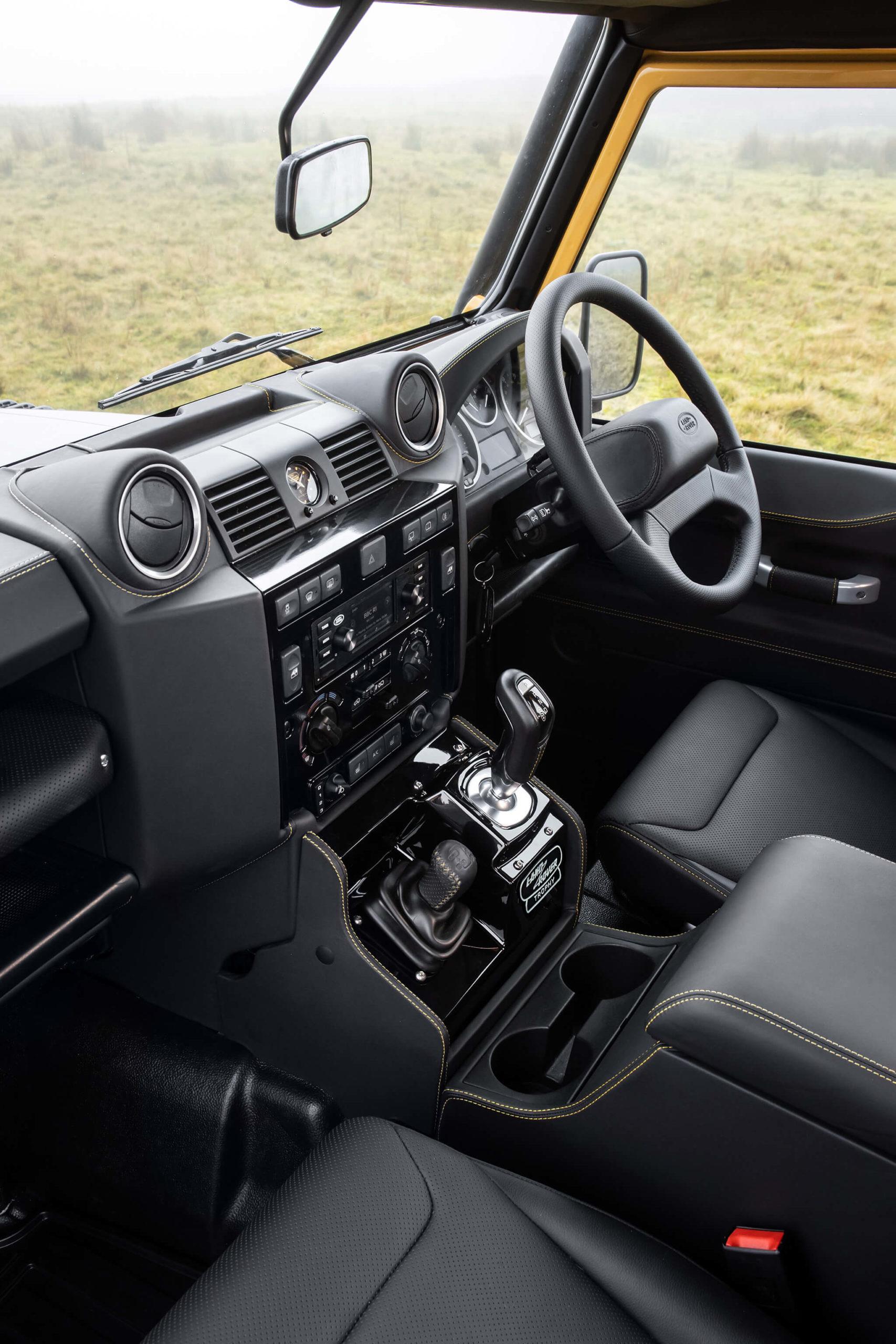 Trophée Land Rover Defender Works V8