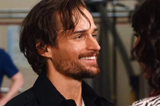 """Max reviendra-t-il avec Tully dans la deuxième saison de """"Dance of the Fireflies""""?  (Photo: Netflix)"""