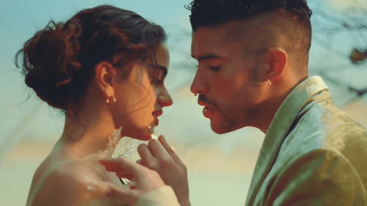 Bad Bunny partage un clip vidéo de sa collaboration avec Rosalía