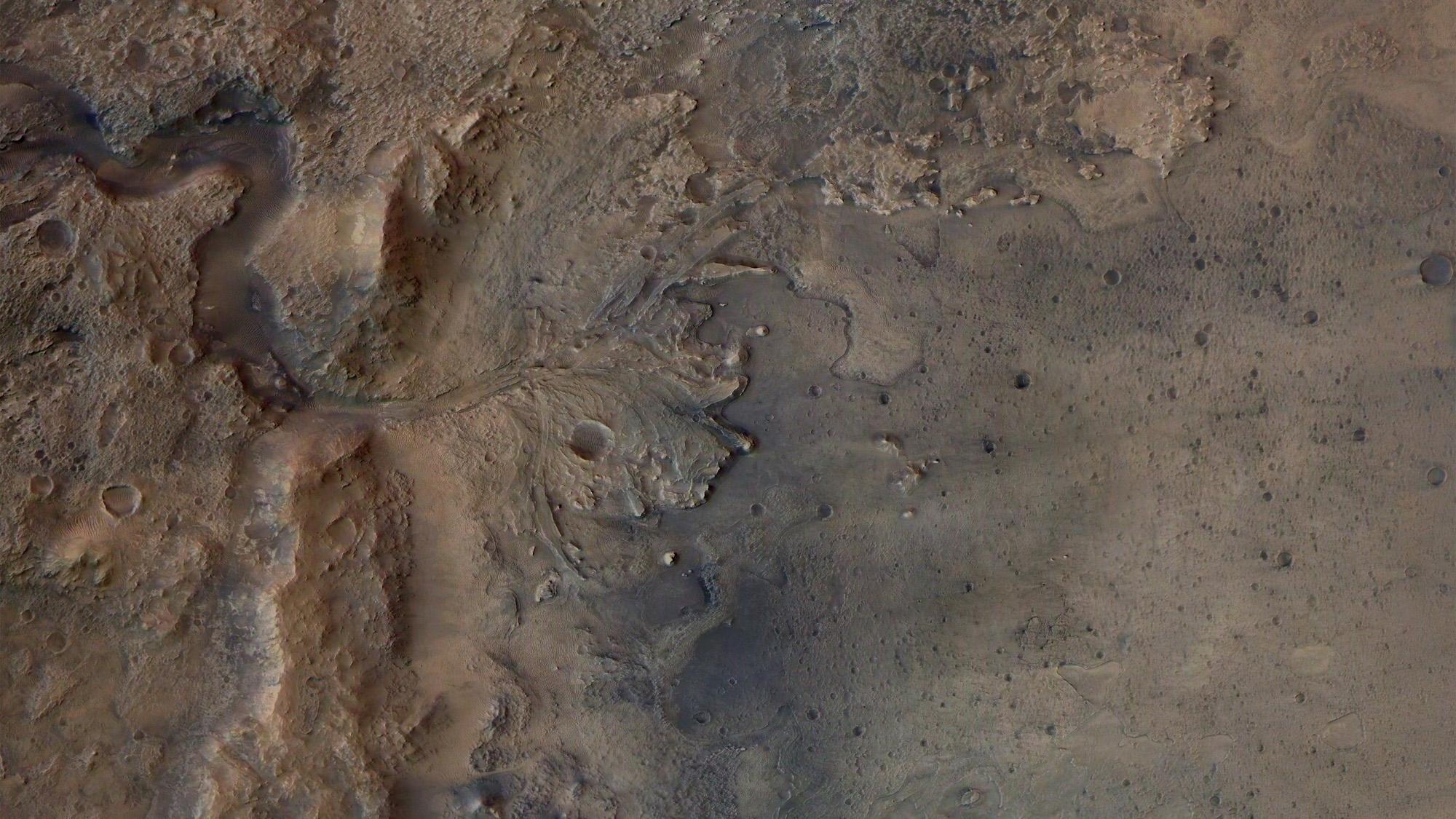Cette image montre les restes d'un ancien delta du cratère Jezero, que le rover Perseverance Mars de la NASA explorera à la recherche de signes de vie microbienne fossilisée.  L'image a été prise par la caméra stéréo haute résolution sur l'orbiteur Mars Express de l'ESA.