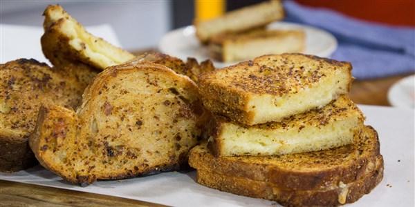 Sandwichs au fromage grillé au vin blanc