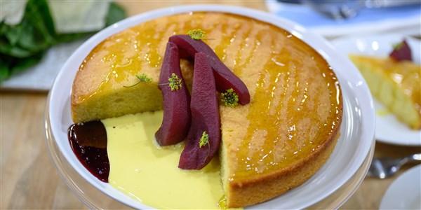 Gâteau à l'huile d'olive et poires pochées au lambrusco