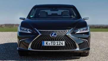 Les Rétroviseurs Numériques Arrivent à La Lexus Es 300h Et