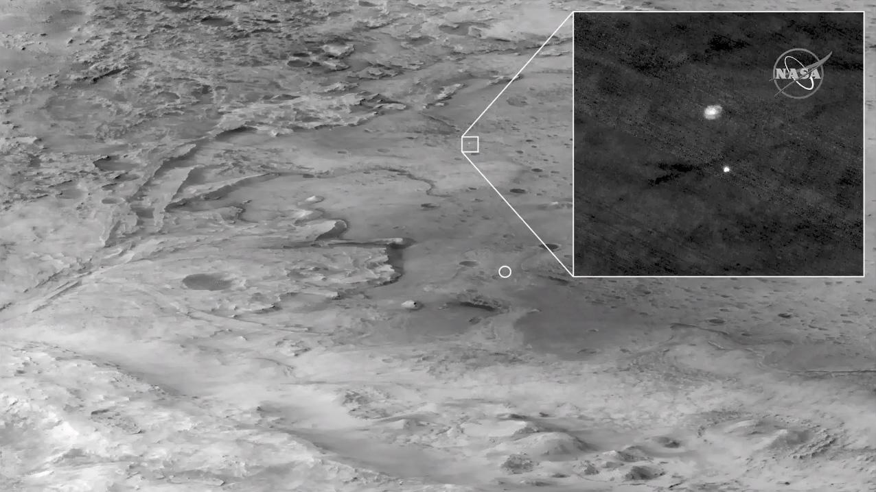 Le Mars Reconnaissance Orbiter de la NASA a capturé cette image de l'atterrissage du rover Perseverance le 18 février 2021.