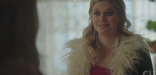 Polly fait des choses étranges dans la saison 5 (Photo: The CW)