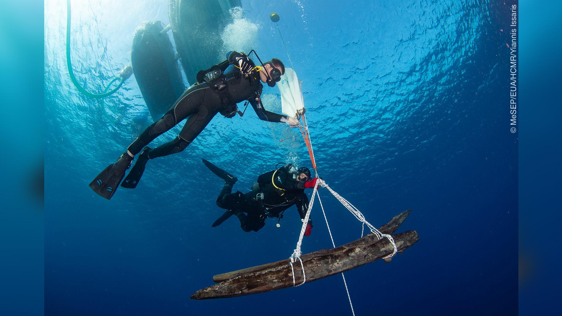 Bon nombre des objets récupérés lors des fouilles récentes étaient des morceaux de coque et de gréement du navire;  le Mentor a été construit en Amérique et ils ne ressemblent pas à des pièces de navires méditerranéens du même âge.