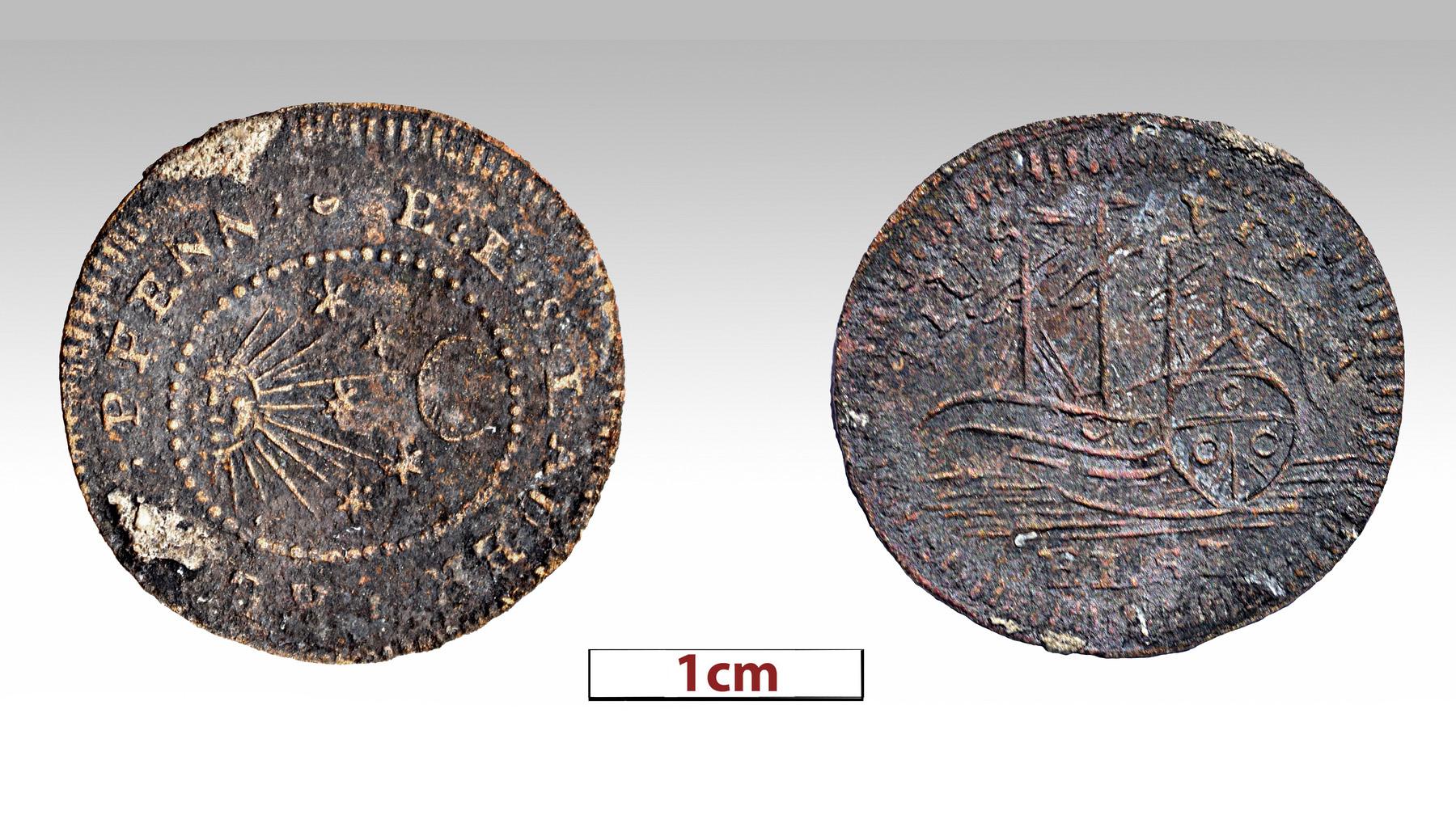 On pense que cette pièce de monnaie ou pièce de jeu en métal récupérée lors des dernières fouilles a été utilisée comme jeton dans un jeu de cartes.